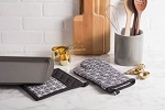 BLACK & WHITE TRIANGLE KITCHEN SET
